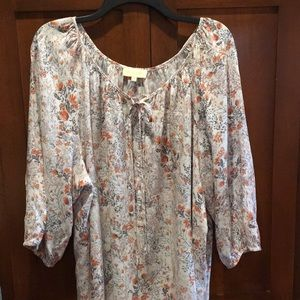 Lucy and Laurel 2x tunic length blouse